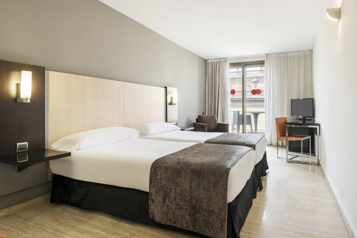 Doble estandar hotel ilunion almirante barcelona
